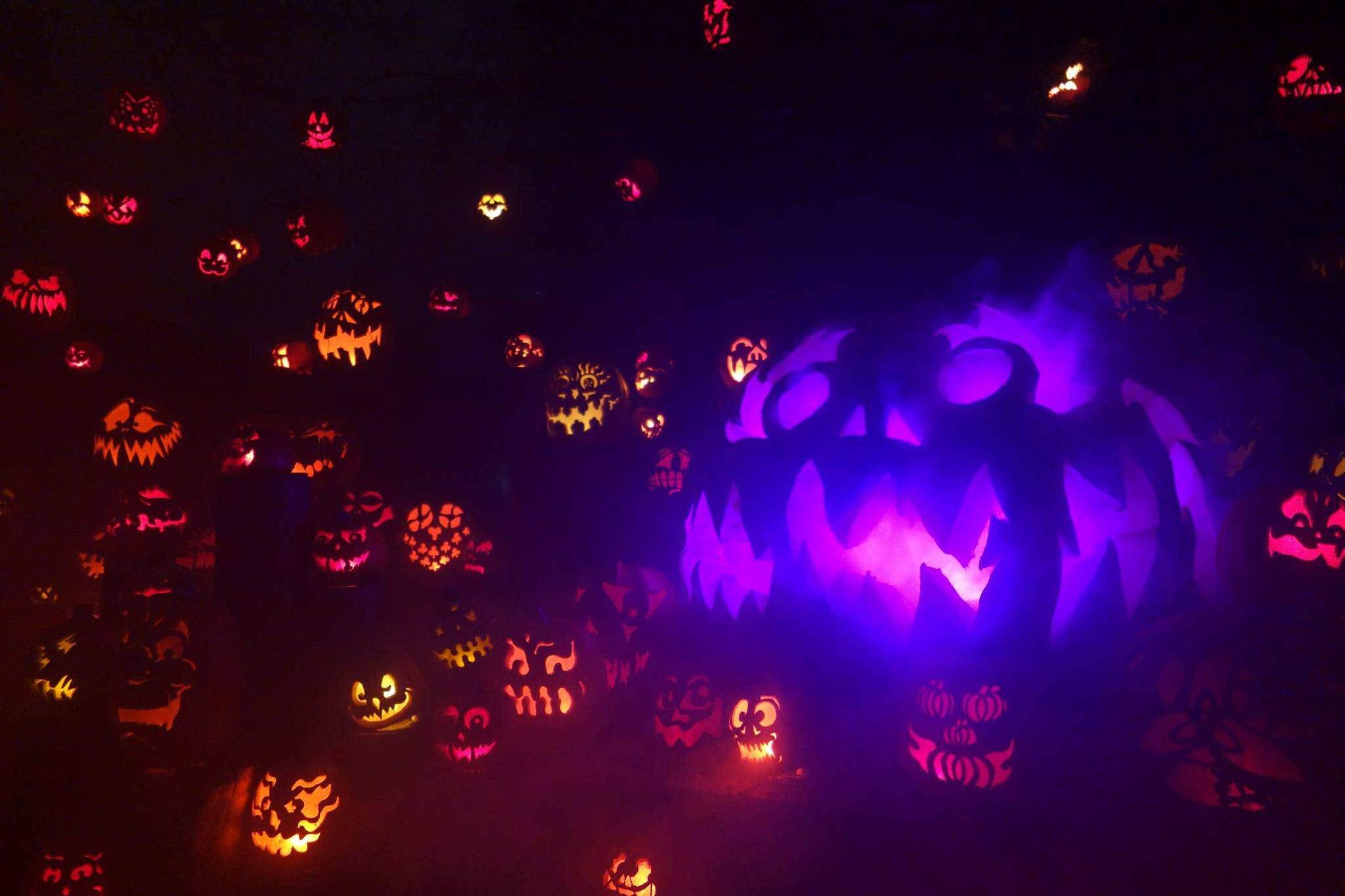 Jack-O-Lantern Halloween Magician Trip